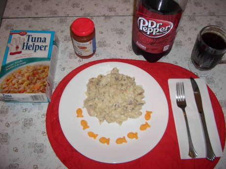 My Dad's Lunch: Tuna helper helps your mackerel make a great (?) meal.